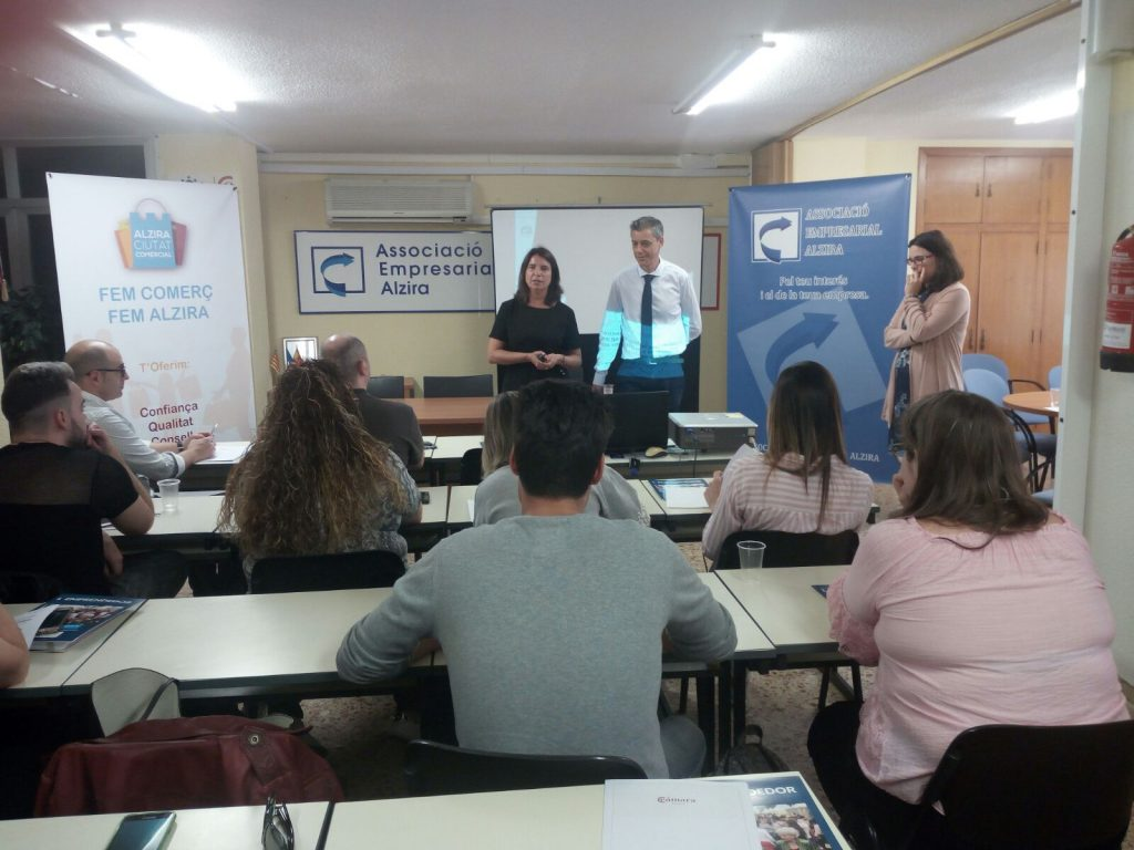 Maria Jose Machado taller Whatsapp Marketing Alzira
